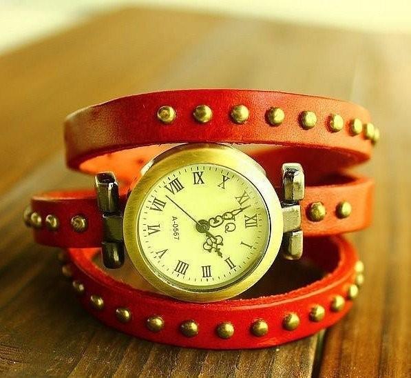 Часы JQ красного цвета