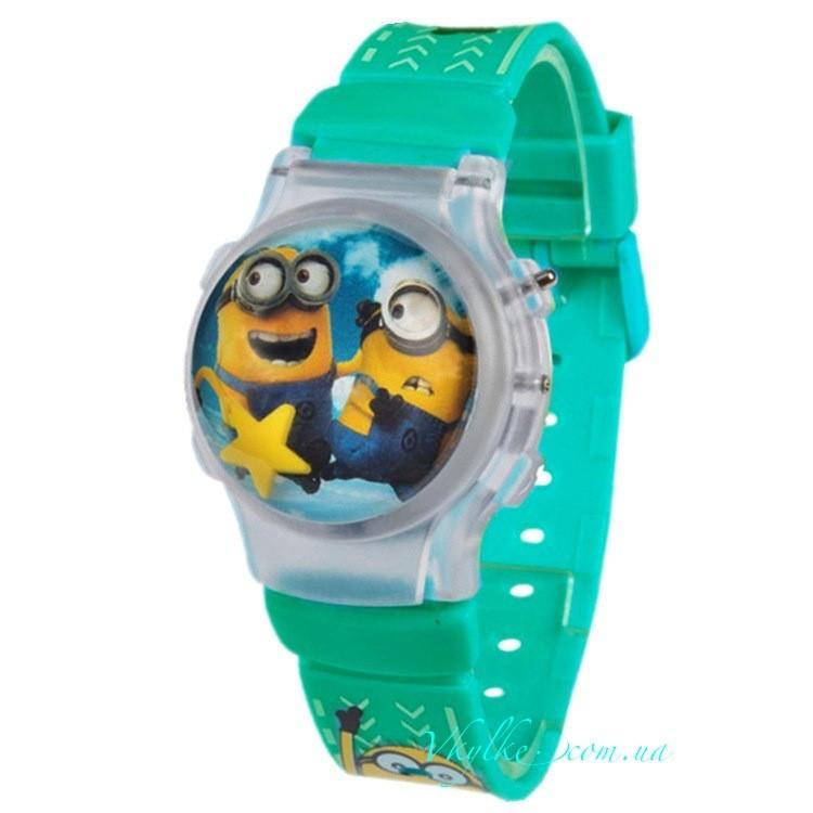 Часы Миньоны с крышкой