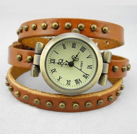 Часы JQ оранжевого цвета