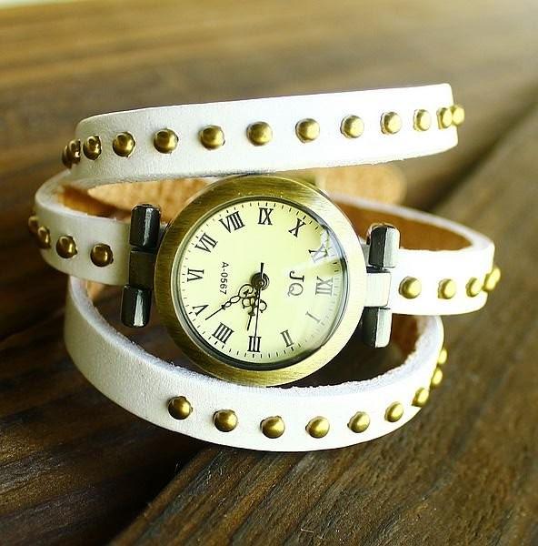 Часы JQ белого цвета