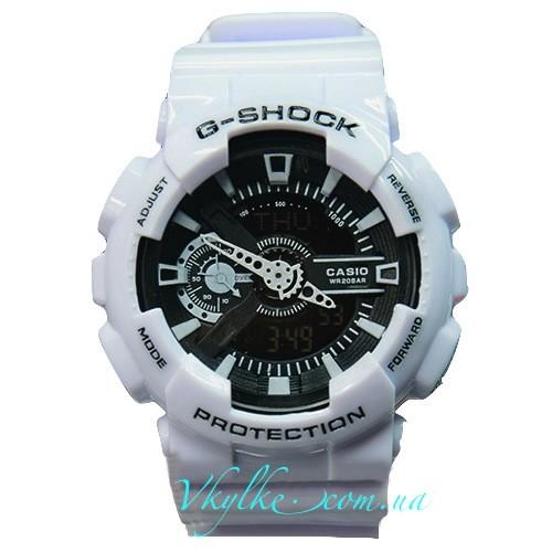 Casio G-Shock GA-110 белые с черным дисплеем