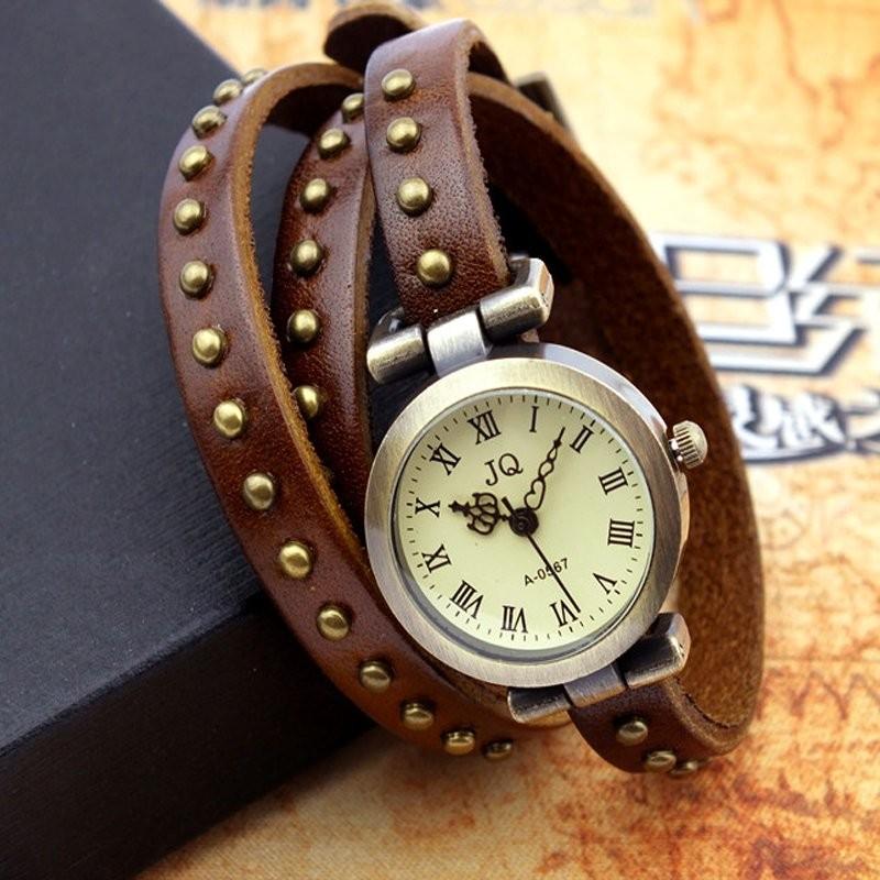 Часы JQ коричневого цвета